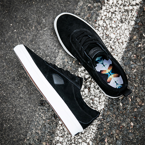 DMD SHOE ICON BLK 12 - Click to enlarge