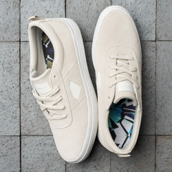 DMD SHOE ICON WHT 11 - Click for more info